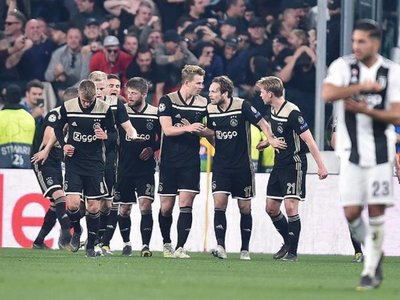 El Ajax destrona a Cristiano con otra obra maestra