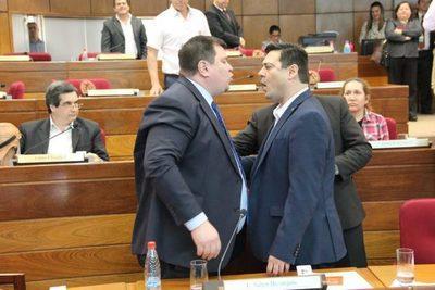 Incidentes entre los senadores liberales