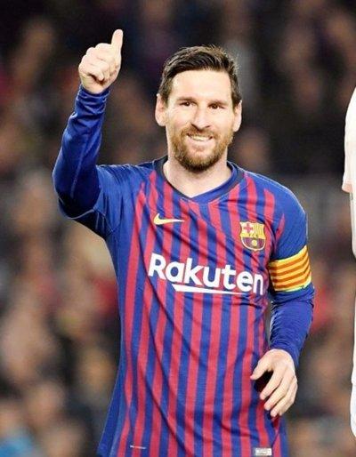 Messi ya está en semis; Cristiano, en la cuneta