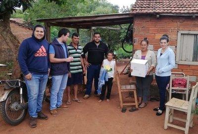 Estudiantes de la F.C.A. Filial Santa Rosa, donaron víveres a familias de escasos recursos