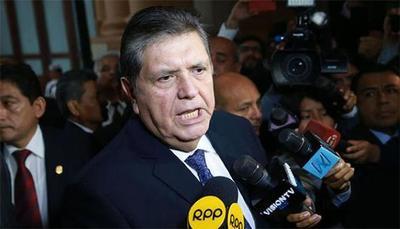 Ex presidente peruano se suicida para no ir a prisión
