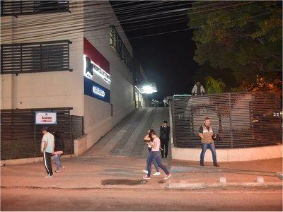 Enfermera es baleada por dos motochorros en Luque