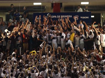 Olimpia se consagra ante Cerro Porteño en el Clausura 2015