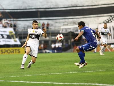 Se asoma un nuevo superclásico en la carrera de Rodrigo Rojas