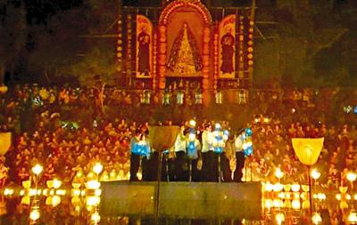 Fe y arte cautivan   en la  procesión de  Tañarandy