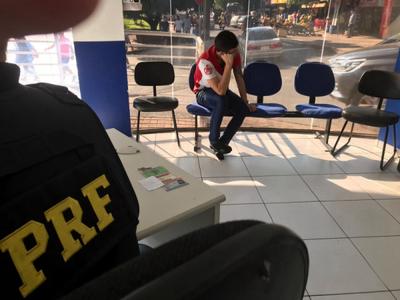 Detienen a paraguayo con camioneta robada