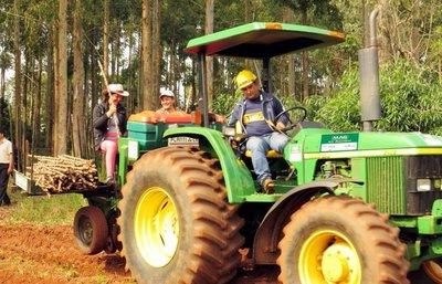 """Productores agrícolas: """"el gobierno debería de ser más eficiente en el gasto antes de pensar en subir impuestos"""""""