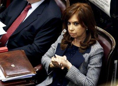 La expresidenta argentina Cristina Fernández viaja a Cuba para ver a su hija