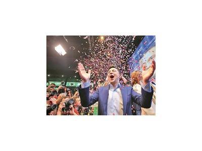 Comediante Zelenski electo como nuevo presidente de Ucrania