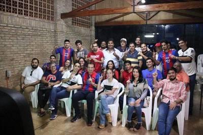 Candidato colorado intensifica campaña en barrios periféricos