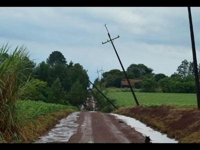 Tormentas dejaron sin energía eléctrica a localidades de Itapúa