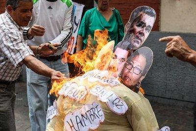 Trump, Maduro y Guaidó ardieron en quema de Judas en Venezuela