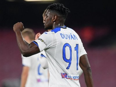 Atalanta vence a Napoli y se coloca en zona de Champions