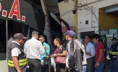 HOY / Dinatran multa a empresas en  cuyos buses cobrarón demás o  sin respetar disposición legal