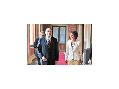 Embajador Rivas Palacios deja España para ser vicecanciller