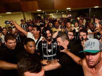 'Loco' Abreu será entrenador de un equipo en el que fue campeón