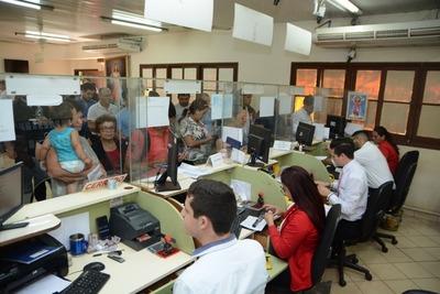 Funcionarios de Contraloría controlan declaración jurada en la comuna