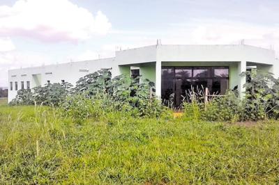 Predio que se construyó para ser hospital se encuentra abandonado