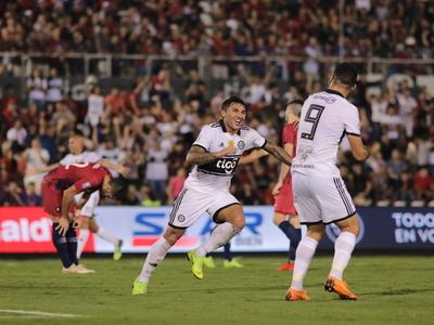 Tabaré Viudez anota el mejor gol de la fecha