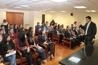 Estudiantes conocen Sistema Disciplinario del Poder Judicial