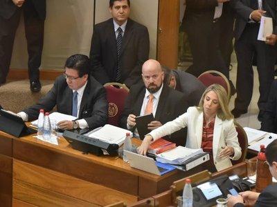 Juicio político: Enrique García se defiende y califica de basura la acusación