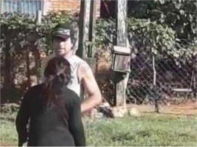Ordenan captura de un hombre por agredir a su pareja