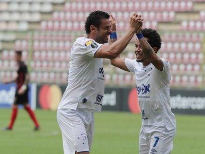 Cruzeiro alarga su invicto y pone en aprietos al Lara