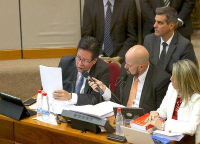 Senado no tendría los 30 votos para la destitución de Enrique García