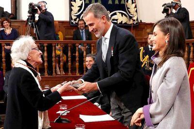 La poetisa uruguaya Ida Vitale recibió el Premio Cervantes