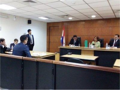 Dan una  leve condena al  ex fiscal Rubén   Villalba por caso de  coima