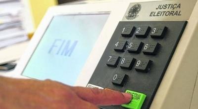 HOY / Experta alerta que las urnas  electrónicas están expuestas  a fraude: hay ejemplos, dice
