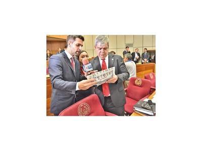Parlamentarios hicieron simulacro de votación mediante ficha de ÚH