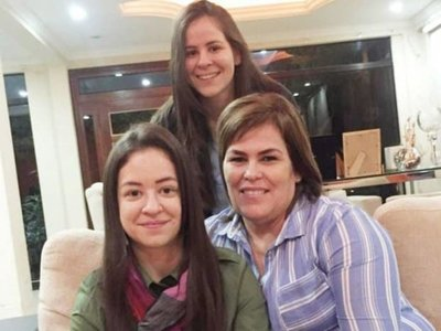 Hijas del presidente de  diputados no renunciaron