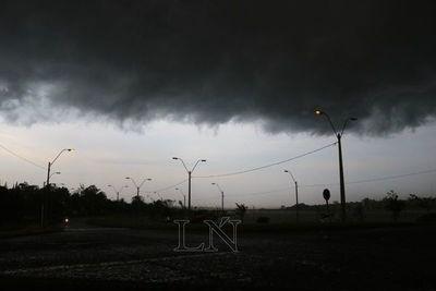 Tormentas y lluvias en 13 departamentos