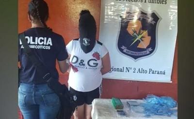 Mujer detenida con drogas en su domicilio