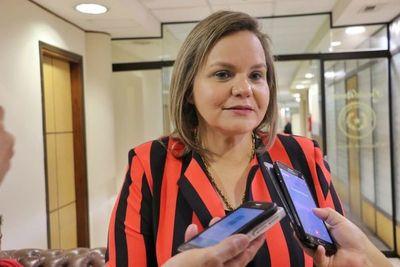 Desbloqueo de listas sábana afectaría a la elección de mujeres, según Samaniego