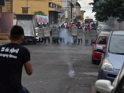 Manifestantes provocaron a uniformados, dice Villamayor