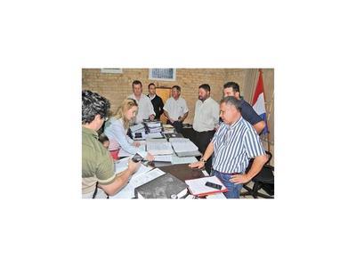 Allanan Intendencia y Archivo de  Junta Municipal de CDE