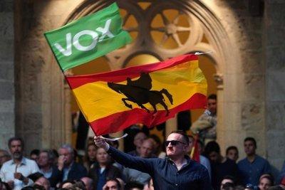 España cierra campaña electoral marcada por la ultraderecha