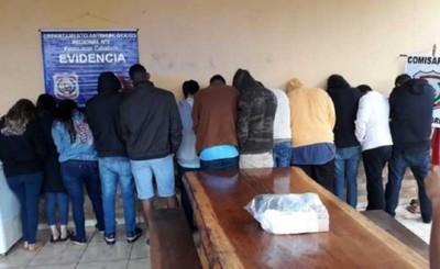 Una docena de estudiantes brasileños fueron expulsados