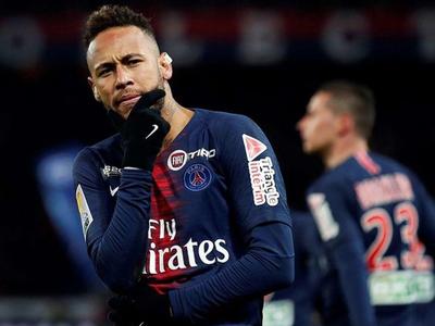 Neymar fue suspendido por la UEFA por insultar a árbitros