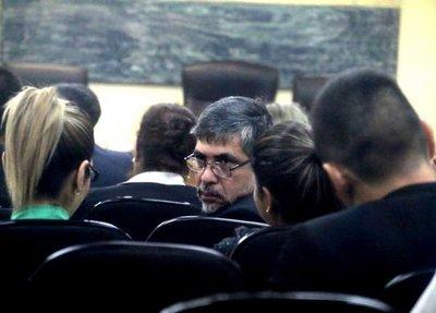 """Fiscalía pide 6 años de prisión para excontralor por caso """"secretaria vip"""""""