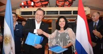 Firman acuerdo para potenciar el turismo fluvial y la pesca deportiva