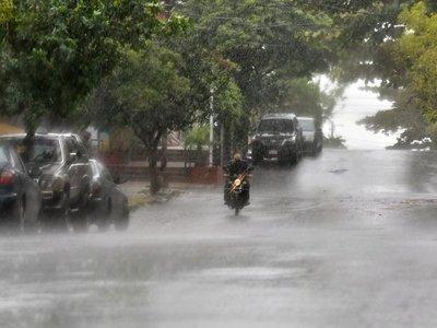 Alerta de  tormentas para 11 departamentos del país