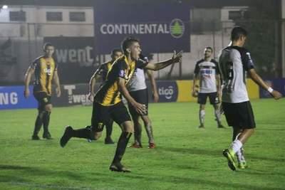 Primer grito de gol en primera división del misionero Alexis Villalba