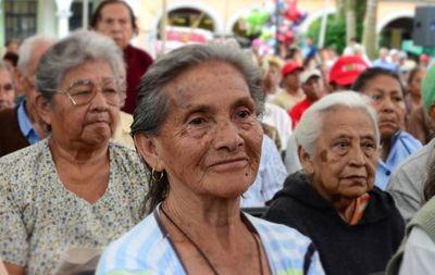 Proponen el envejecimiento saludable en Día del adulto mayor