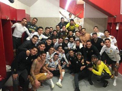 Los Dorados, Báez y Maradona clasifican a la final