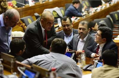 Diputados urgen ampliar la reforma electoral