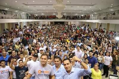 Miguel Prieto reúne a una multitud para mostrar su estructura contra la corrupción