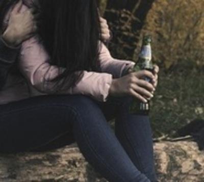 Abusan de adolescente tras drogarla con gaseosa